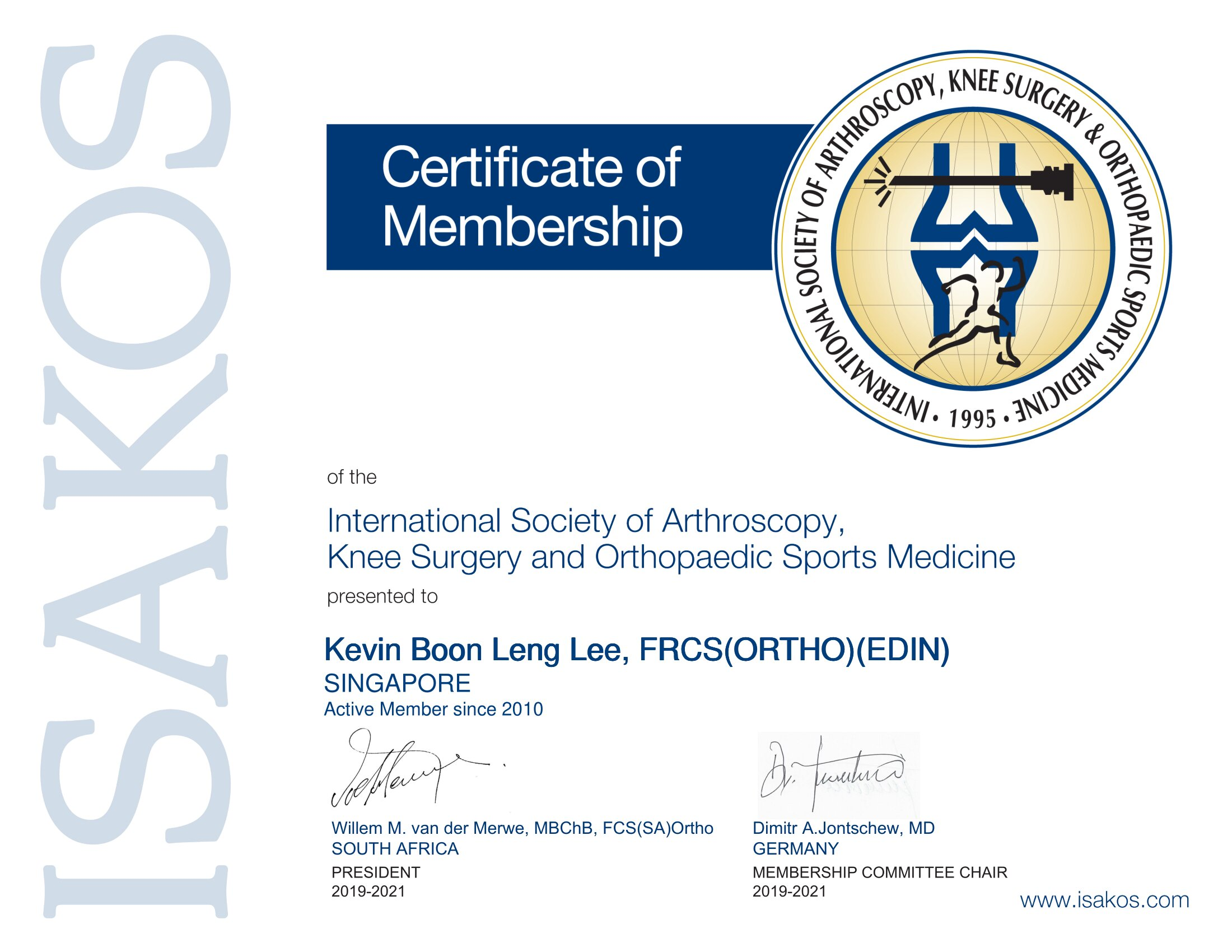 Dr Kevin Lee is a member of ISAKOS